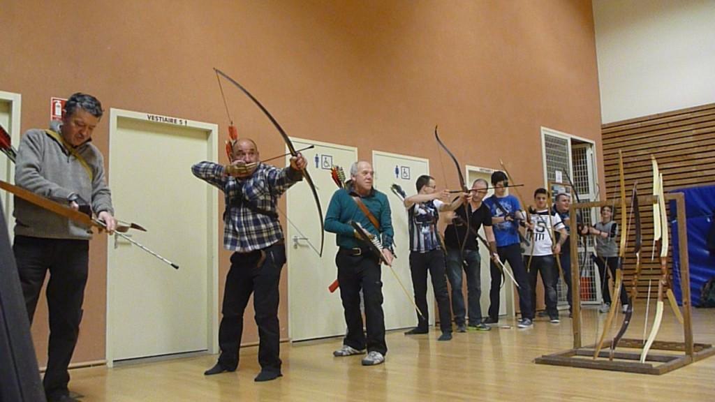 Le groupe Nature à l'entraînement dans la salle.
